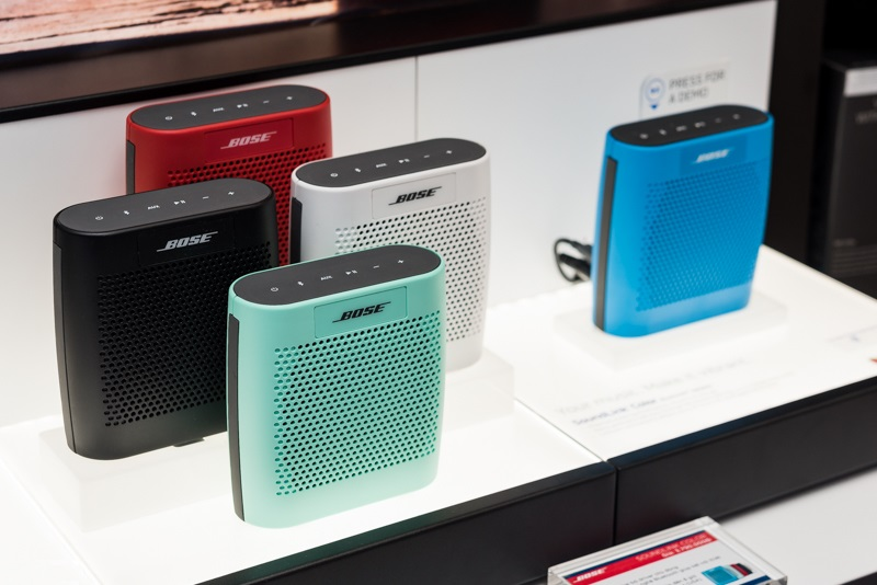 Loa-Bose-Bluetooth-soundlink-Color-2